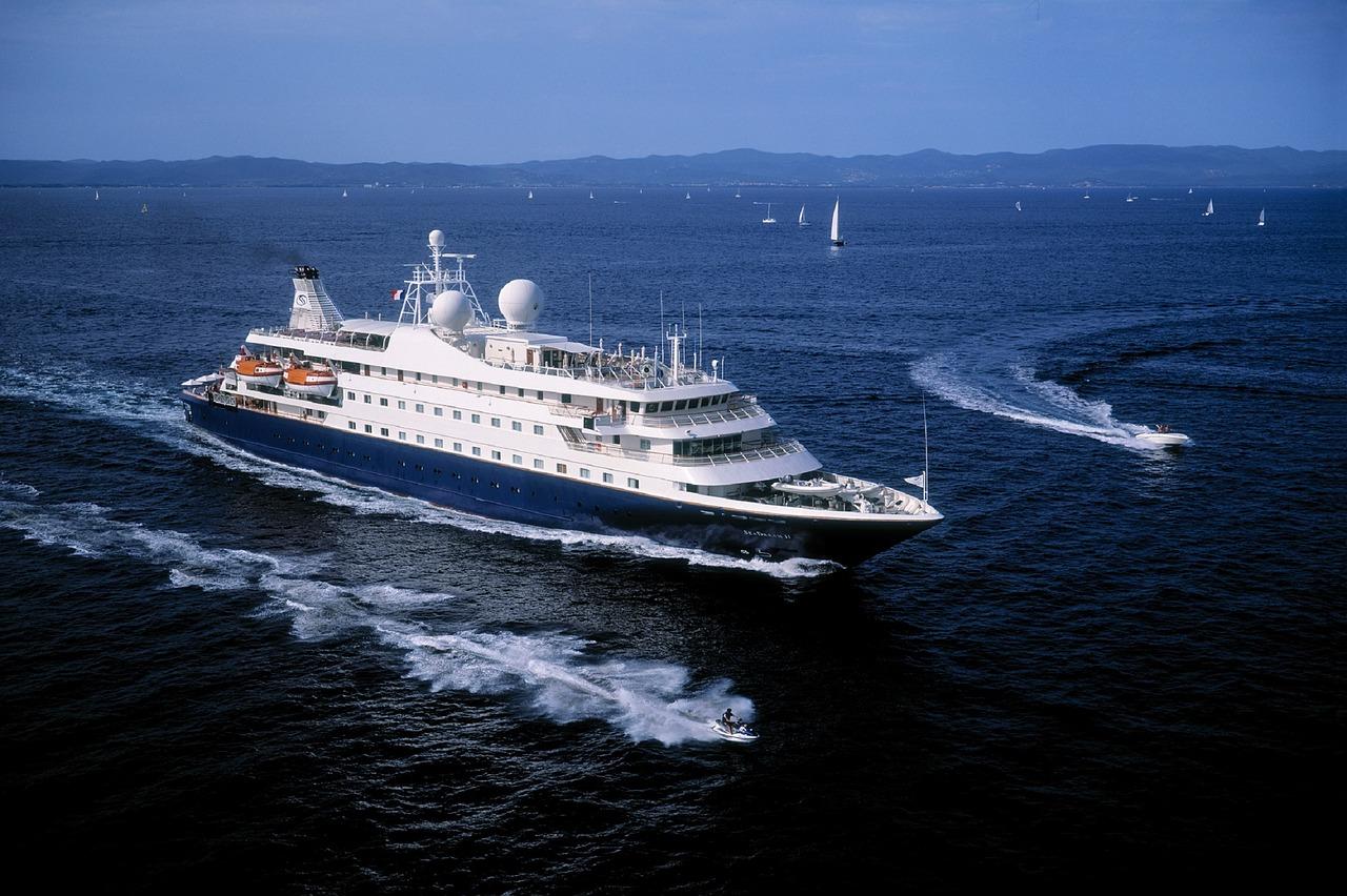 Allier croisière de luxe et séjour sur l'île de Beauté (image 1)